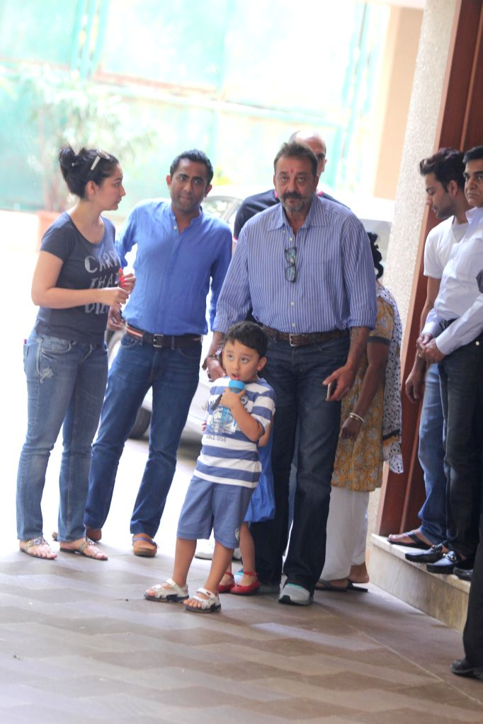Actor Sanjay Dutt is accompanied by his wife Manyata Dutt and his children Iqra Dutt and Shahraan Dutt as he leaves for Yerawada jail after completing his 14 days furlough, in Mumbai, on jan. - Manyata Dutt, Iqra Dutt and Shahraan Dutt