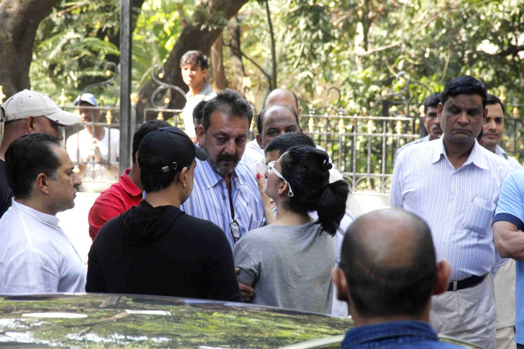 Actor Sanjay Dutt snapped with family leaving once again for Yerwada Jail after his furlough extension rejected in Mumbai, on jan. 10, 2015.