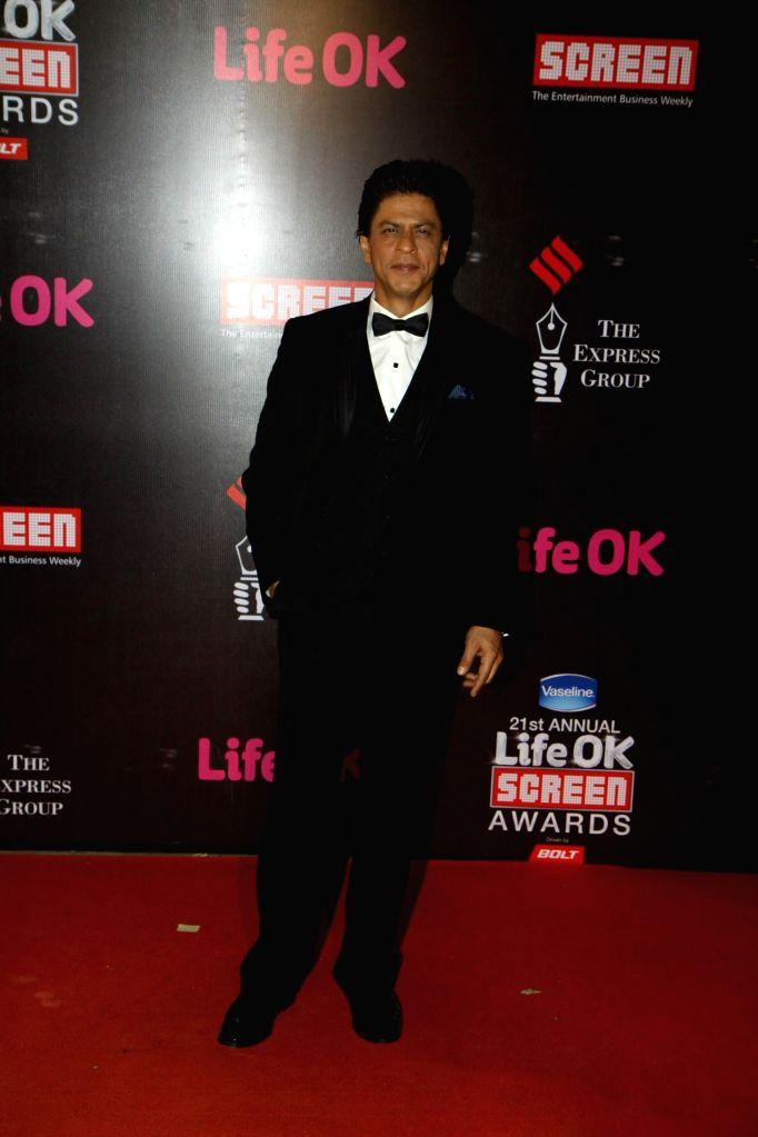 Actor Shahrukh Khan during the 21st Annual Life OK Screen Awards in Mumbai on Jan. 14, 2015. - Shahrukh Khan