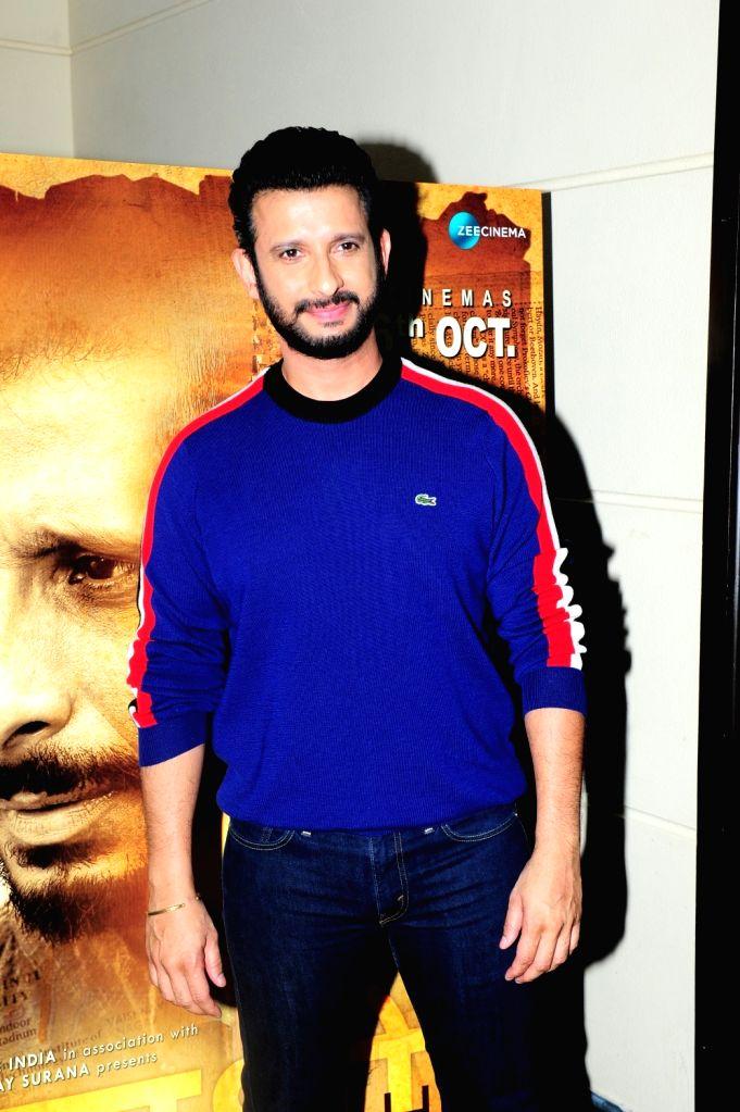 ":Mumbai: Actor Sharman Joshi during the promotion of his upcoming film ""Kaashi in Search of Ganga"" in Mumbai on Oct 10, 2018.(Photo: IANS)."