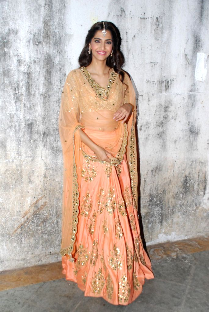 Actor Sonam Kapoor during the music launch of upcoming film Dolly Ki Doli in Mumbai, on jan. 09, 2015. - Sonam Kapoor