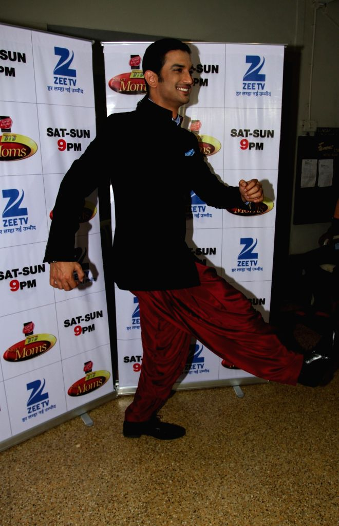Actor Sushant Singh Rajput during the promotion of film Detective Byomkesh Bakshi on the sets of Zee TV`s, reality show, Dance India Dance Super Moms in Mumbai, on March 31, 2015. - Sushant Singh Rajput