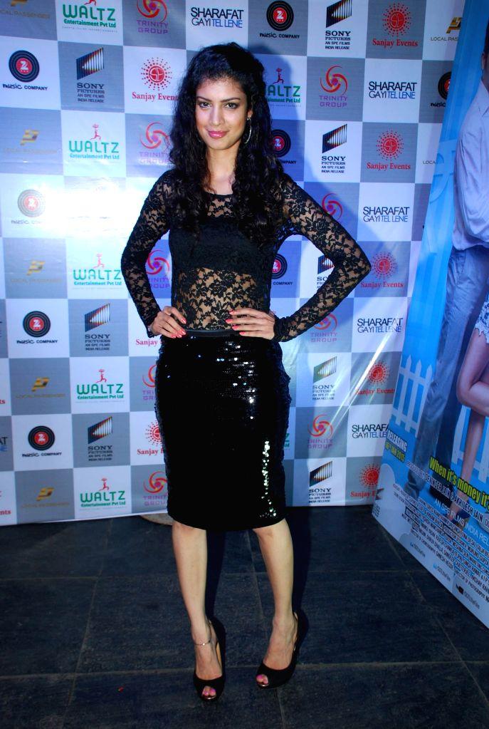 Actor Tena Desae during the music launch of film Sharafat Gayi Tel Lene in Mumbai on Thursday, Dec 11, 2014. - Tena Desae