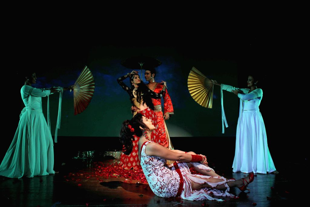 Actor Varsha Usgaonkar, choreographer Sandip Soparkar with his wife Jesse Randhawa performs based on Indo-Koreon love story of 78AD in Mumbai, on Feb 11, 2015. - Varsha Usgaonkar