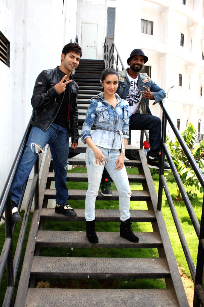 Actor Varun Dhawan, actress Shraddha Kapoor and choreographer and filmmaker Remo D`Souza on the sets of Nach Baliye 7 during the promotion of their upcoming film Any Body Can Dance 2 (ABCD2) ... - Varun Dhawan and Shraddha Kapoor