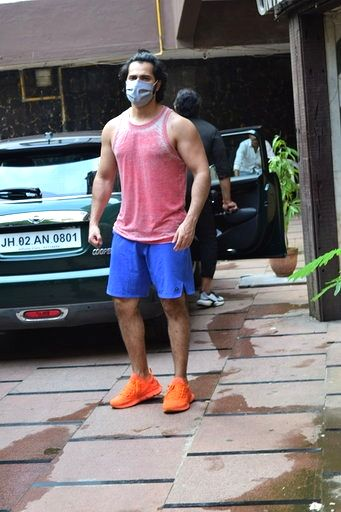 Mumbai: Actor Varun Dhawan seen at Juhu in Mumbai on Sep 7, 2020. (Photo: IANS) - Varun Dhawan