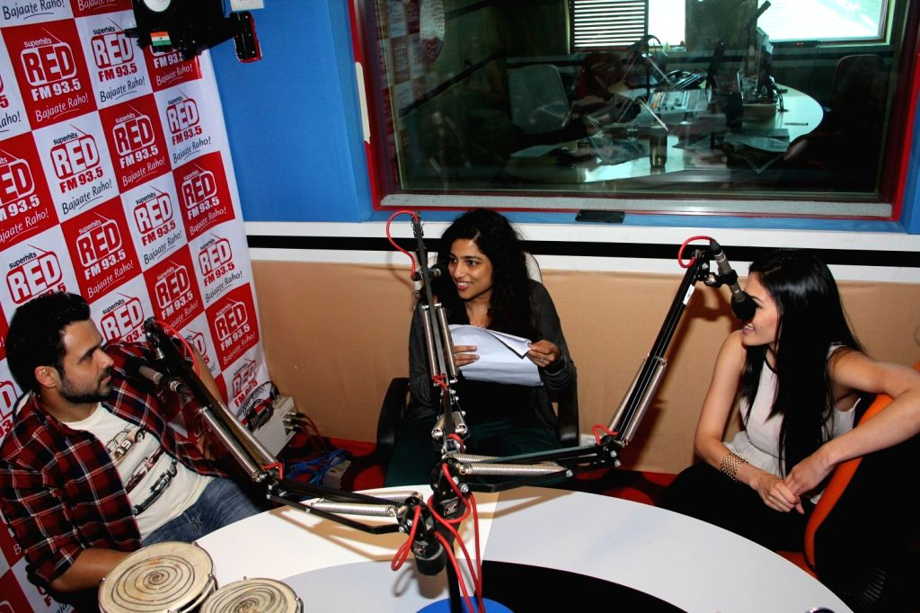 Actors Emraan Hashmi and Amyra Dastur with RJ Malishka during promotion of their upcoming film Mr. X at Red FM office in Mumbai, March 31, 2015. - Emraan Hashmi and Amyra Dastur