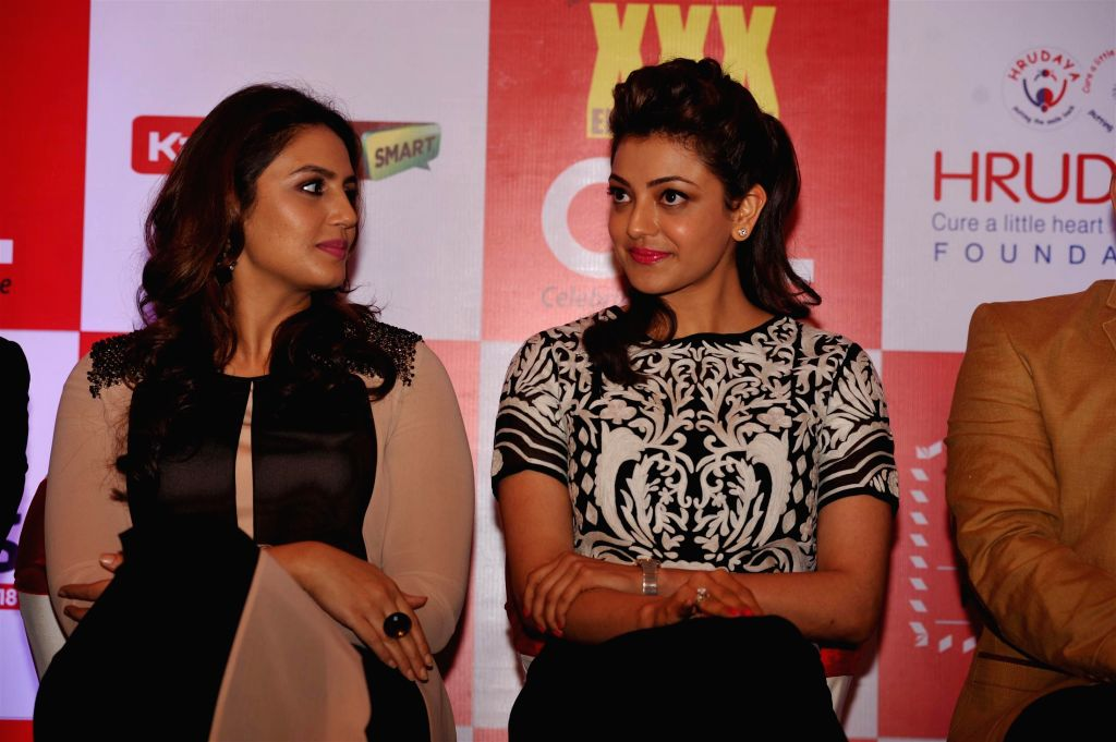 Actors Huma Qureshi and Kajal Aggarwal during the launch of 100 hearts, a social initiative by Celebrity Cricket League (CCL) season 5 in partnership with Hrudaya foundation, a non ... - Huma Qureshi and Kajal Aggarwal