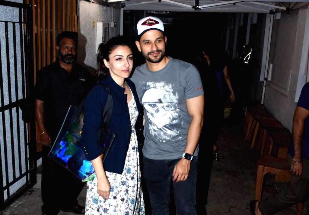 Mumbai: Actors Kunal Khemu and Soha Ali Khan seen at Bandra, in Mumbai on Feb 28, 2020. (Photo: IANS) - Kunal Khemu and Soha Ali Khan