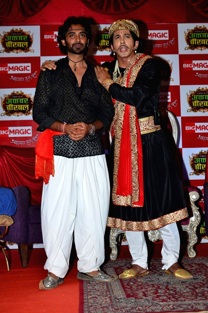 Actors Rohit Khurana and Vishal Kotian during the launch of Big Magic channel new show Chatur aur Chalak, Birbal aur Viraat, in Mumbai on Jan. 30, 2015. - Rohit Khurana and Vishal Kotian