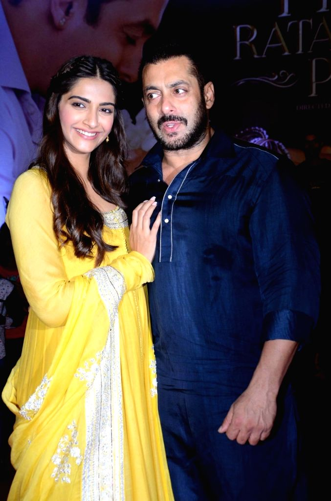 : Mumbai: Actors Salman Khan and Sonam Kapoor celebrate Diwali with Dharavi Rocks, a band of kids who make music out of waste materials in Mumbai on Nov 11, 2015. (Photo: IANS). - Salman Khan