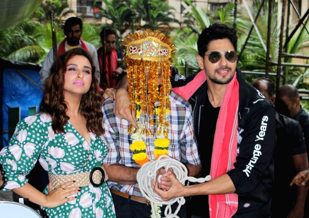 "Mumbai: Actors Sidharth Malhotra and Parineeti Chopra at the trailer launch of their upcoming film ""Jabariya Jodi"", in Mumbai on July 1, 2019. (Photo: IANS) - Sidharth Malhotra and Parineeti Chopra"