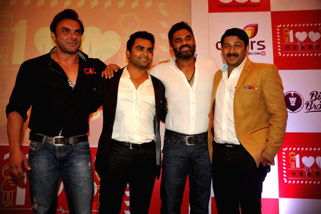 Actors Sohail Khan, Sachiin Joshi, Suneil Shetty and Bhojpuri film actor and BJP MP Manoj Tiwari during the launch of 100 hearts, a social initiative by Celebrity Cricket League (CCL) season . - Sohail Khan, Sachiin Joshi, Suneil Shetty and Bhojpuri
