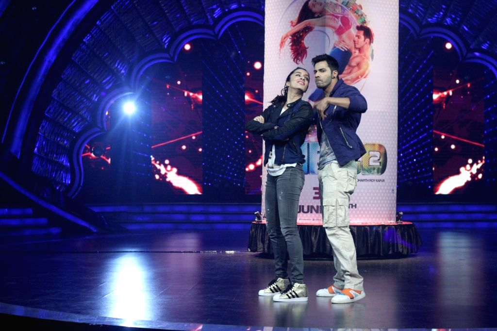 Actors Varun Dhawan and Shraddha Kapoor on Sets Of DID Super Moms For Promotion Of ABCD  in Mumbai on April 21, 2015.