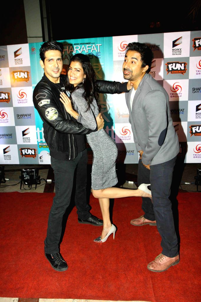 "Actors Zayed Khan,Tina Desai and Rannvijay Singh during the premiere of film ""Sharafat Gayi Tel Lene"" in Mumbai, on Jan. 15, 2015. - Zayed Khan, Tina Desai and Rannvijay Singh"