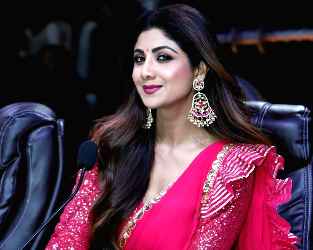 """Mumbai:Actress and dance reality show """"Super Dancer chapter 3"""" judge Shilpa Shetty on the sets of the show, in Mumbai on May 21, 2019. (Photo: IANS) - Shilpa Shetty"""