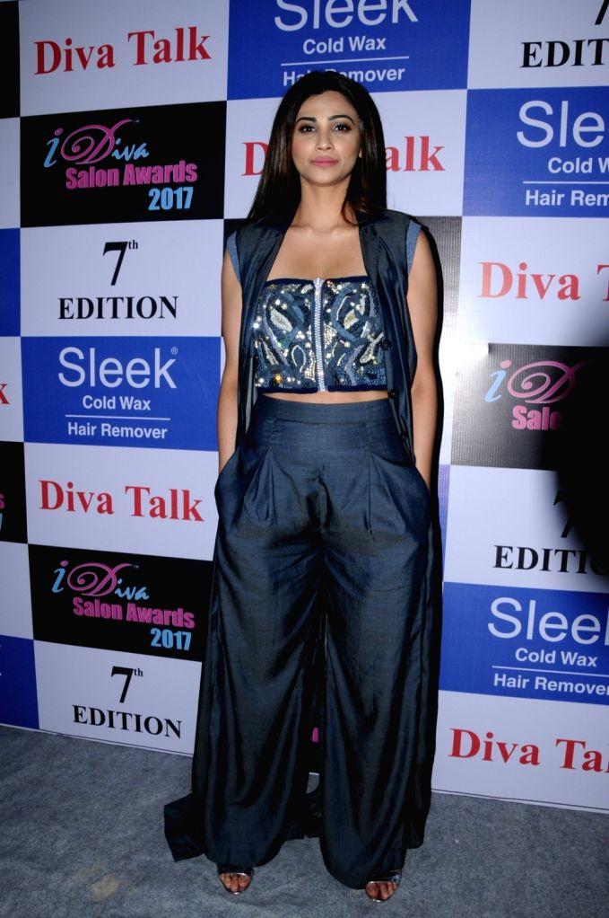 """Mumbai: Actress Daisy Shah during the """"I Diva Awards 2017"""" in Mumbai on Sept 12, 2017. - Daisy Shah"""