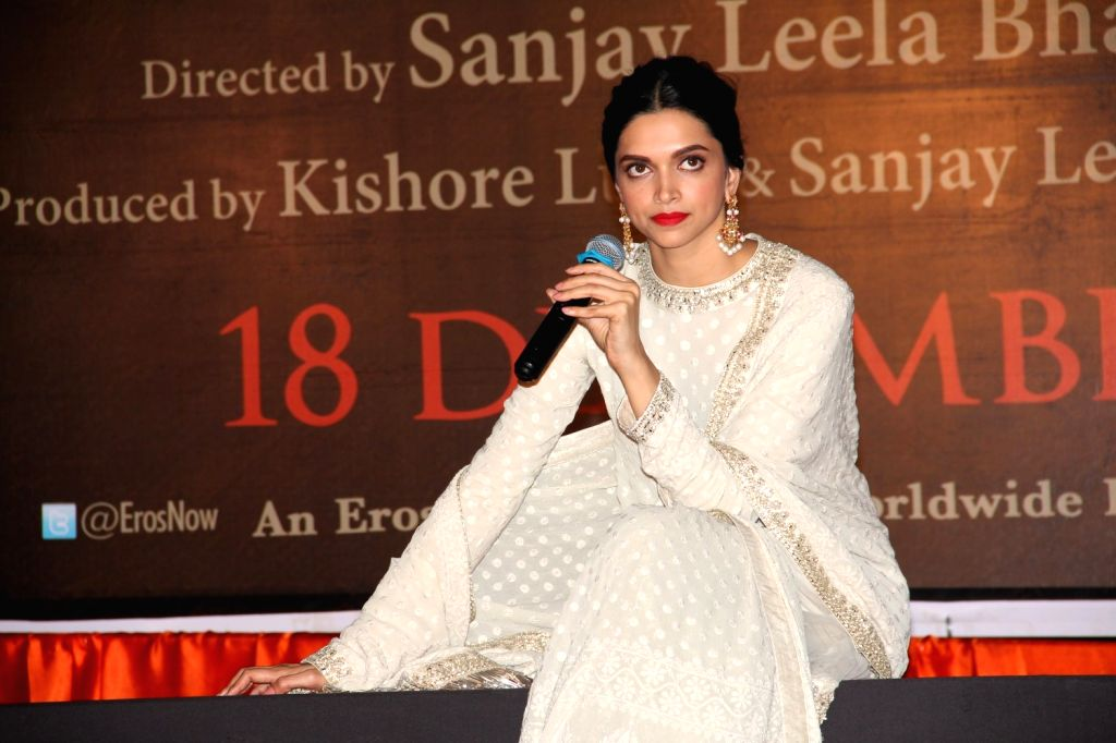 :Mumbai: Actress Deepika Padukone during the poster launch film Bajirao Mastani in Mumbai on Nov 8, 2015. (Photo: IANS). - Deepika Padukone