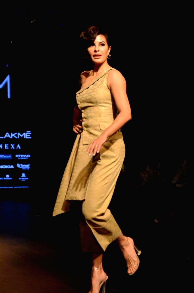 Lakme Fashion Week Winter Festive 2018 Jacqueline Fernandez Walks For Ashish N Soni