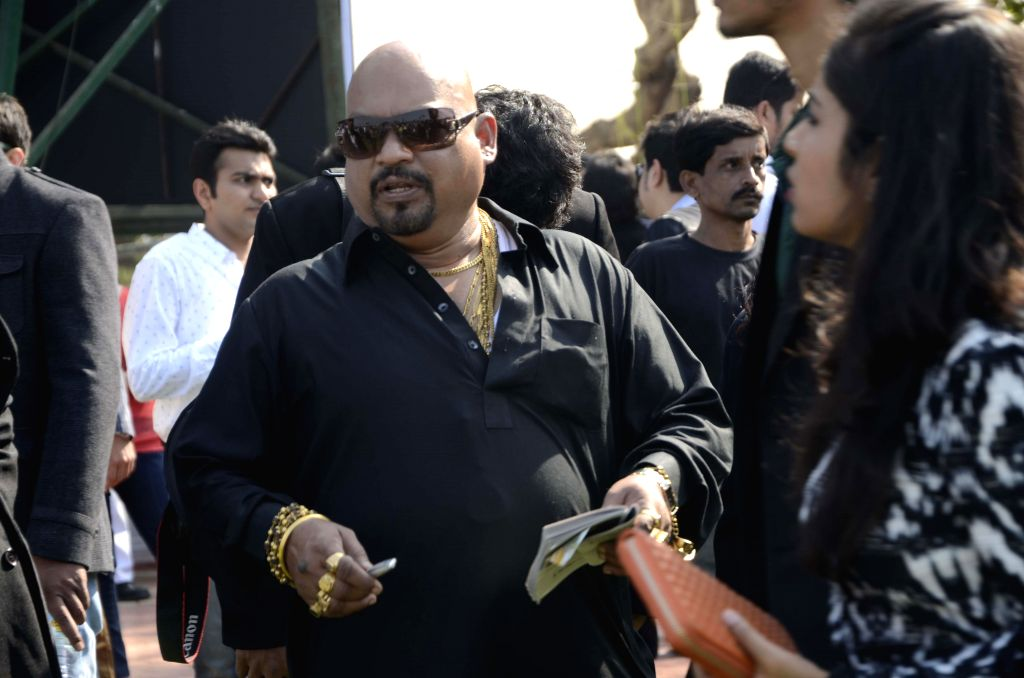Actress Kangana Ranawat and industrilist Vijay Mallya at Signature Derby in Mahalaxmi Race Course, Mumbai on Feb. 1, 2015.