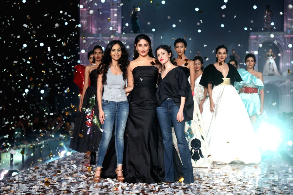Mumbai: Actress Kareena Kapoor Khan with fashion designers Nainika and Gauri at the Lakme Fashion Week Winter/Festive 2019 in Mumbai on Aug 25, 2019. (Photo: IANS) - Kareena Kapoor Khan