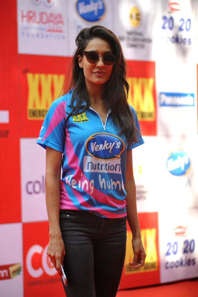 Actress Lisa Haydon during the Celebrity Cricket League (CCL) in Mumbai on Jan 10, 2015. - Lisa Haydon