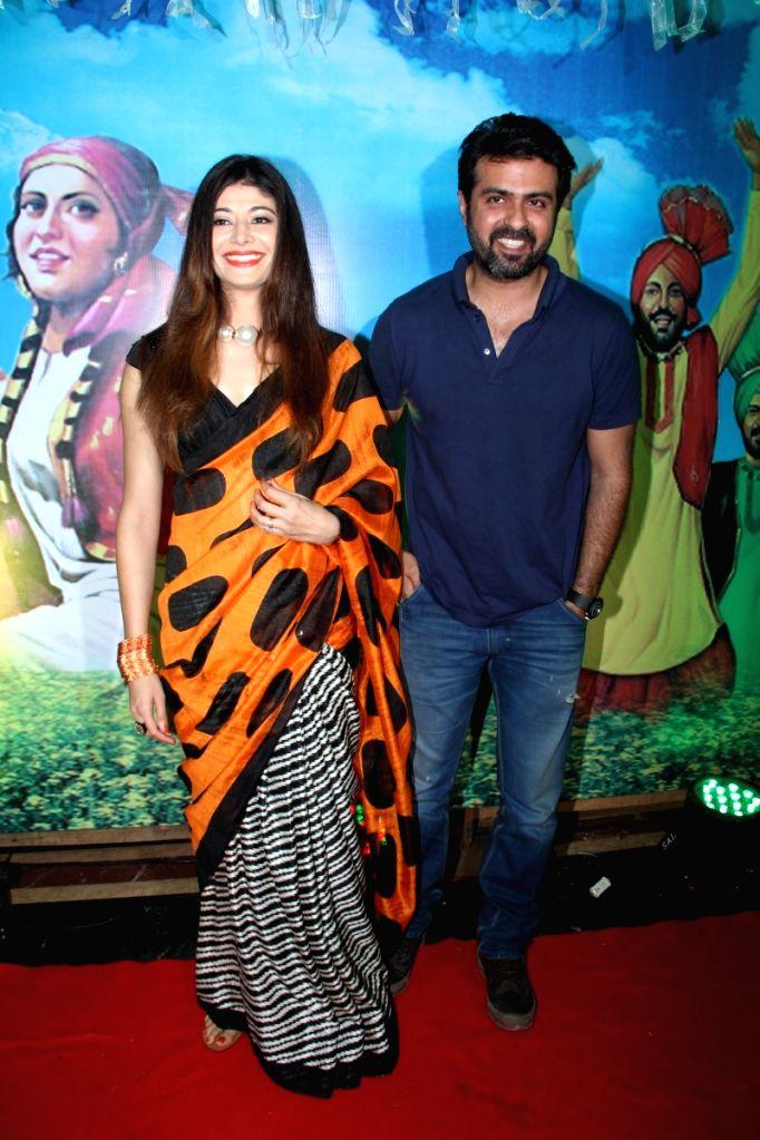 Actress Pooja Batra and actor Harman Baweja during the Baisakhi celebration in Mumbai on April 14, 2015. - Pooja Batra