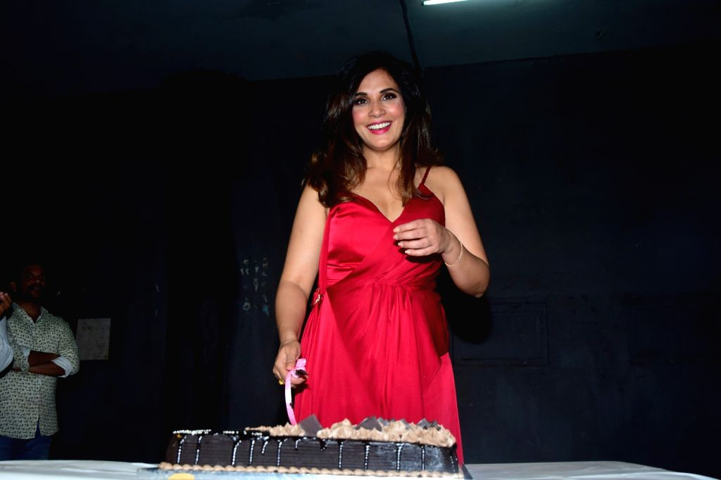 Mumbai: Actress Richa Chadha celebrates her birthday in Mumbai on Dec 18, 2017. (Photo: IANS) - Richa Chadha