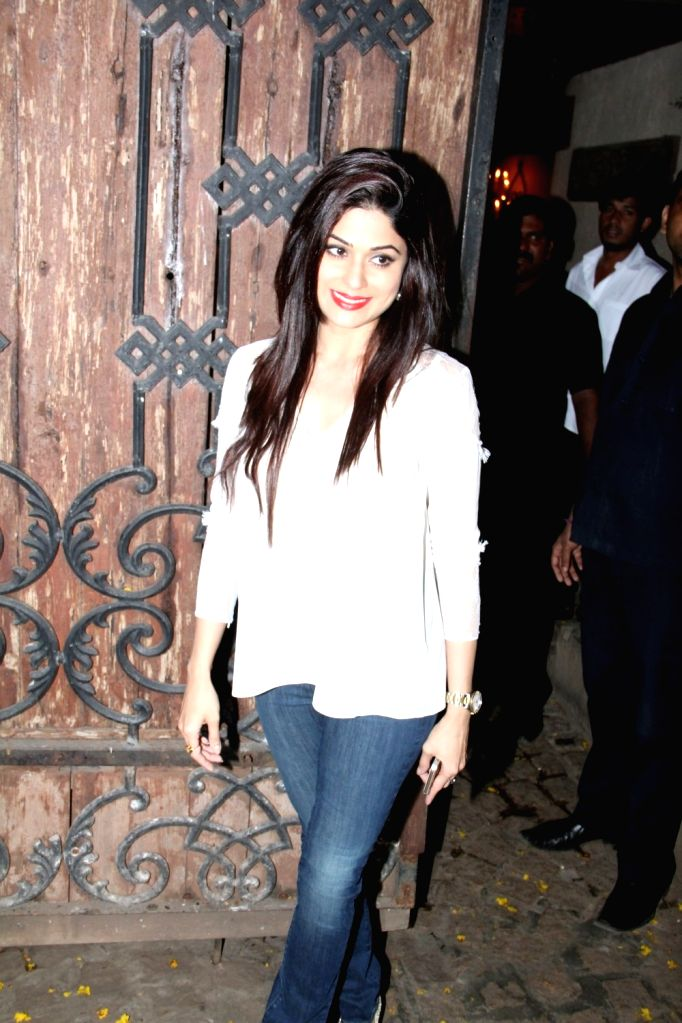 Actress Shamita Shetty arrive for actor Anil Kapoor`s get-together to share the trailer of the film Dil Dhadakne Do, in Mumbai on 13th April 2015. - Shamita Shetty