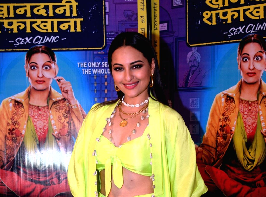 "Mumbai:  Actress Sonakshi Sinha during the promotion of her upcoming film ""Khandaani Shafakhana"" in Mumbai, on June 21, 2119. (Photo: IANS) - Sonakshi Sinha"