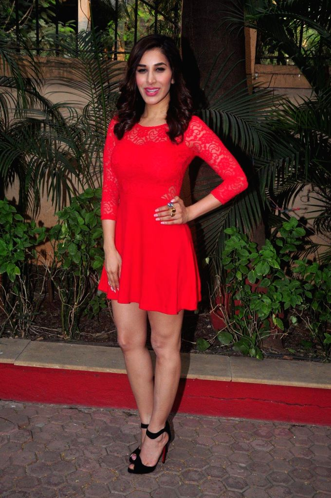 Actress Sophie Choudry during the announcement of her plan New Year's eve performance at Country Club, Pune in Mumbai on Dec 26, 2014.