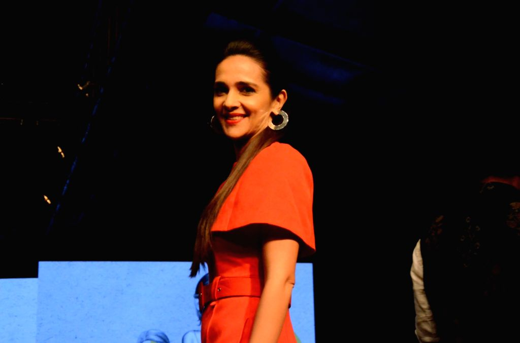 Mumbai: Actress Tara Sharma showcases fashion designers Gauri and Nainika's creation during Lakme Fashion Week (LFW) Summer/Resort 2019 in Mumbai, on Jan 30, 2019. (Photo: IANS) - Tara Sharma