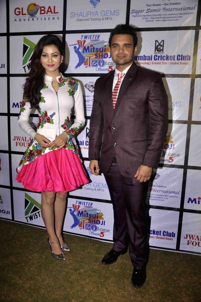 Actress Urvashi Rautela and actor Mahaakshay Chakraborty during the Mitsui Shoji T20 Cricket League 2015 organised by Sagar Samir International and Shaurya Jems in Mumbai, on April 27, 2015. - Urvashi Rautela and Mahaakshay Chakraborty
