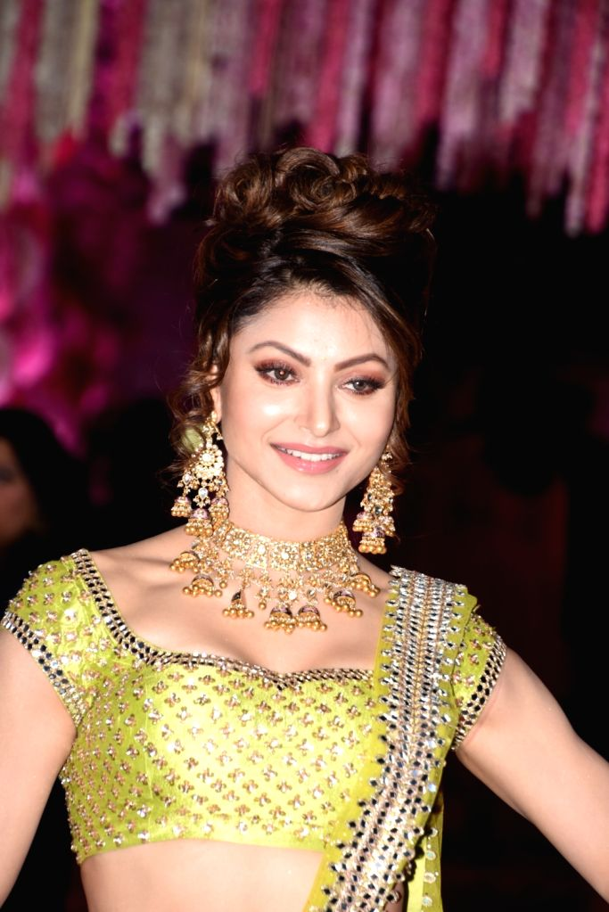 Mumbai: Actress Urvashi Rautela at Azhar Morani and Tanya Seth's wedding reception in Mumbai on Feb. 9, 2019.  (Photo: IANS) - Urvashi Rautela and Tanya Seth
