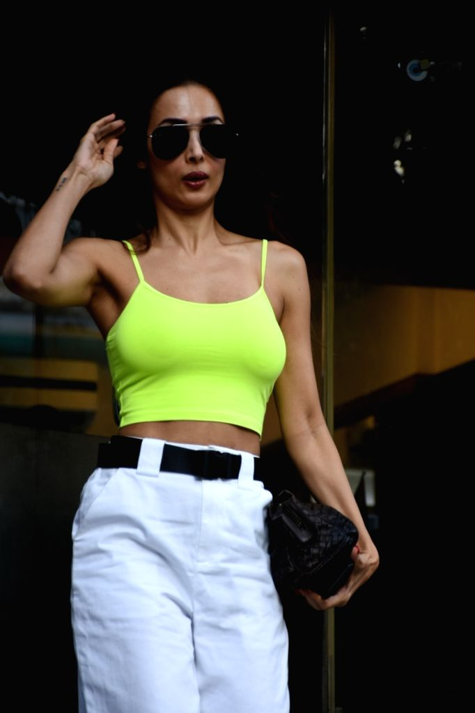 Mumbai, April 1 (IANS) Actress-model Malaika Arora can cook too! Those who have a sweet tooth should visit her Instagram story, to check out besan ladoos she has dished out.(File Photo: IANS) - Malaika Arora