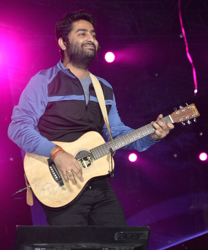 """Mumbai, April 25 (IANS) The singer-composer duo of Shaarib and Toshi have recreated Arijit Singh's mellifluous number, """"Mareez-e-ishq"""" for a new music video. - Arijit Singh"""