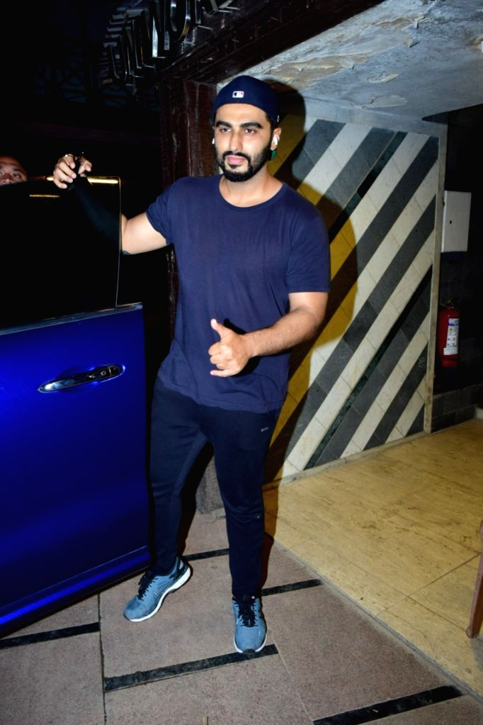 Mumbai, April 5 (IANS) With heavy hearts, actor Arjun Kapoor paid his last respect to the legendary singer Bill Withers, who died a few days ago.(File Photo: IANS) - Arjun Kapoor