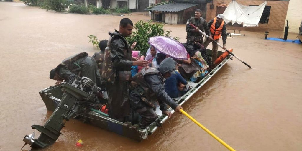 Mumbai: Army personnel carry out rescue operations in the flood hit areas of Maharashtra, on Aug 9, 2019. (Photo: IANS)
