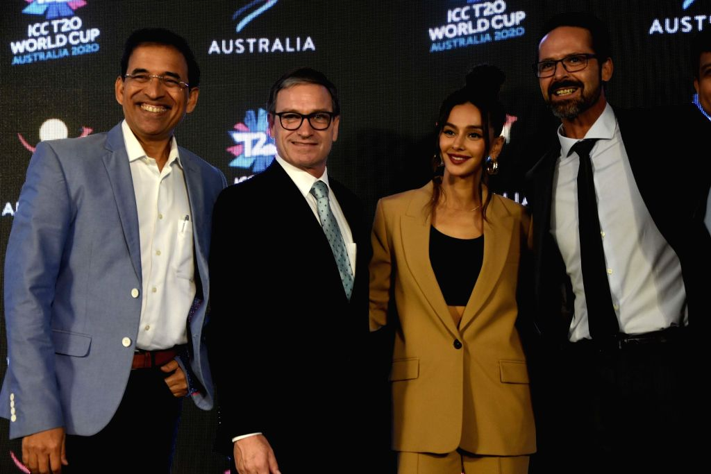 Mumbai: Australian Torism Minister Brent Anderson, Cricket commentators Harsha Bhogle and Shibani Dandekar and ICC T20 World Cup 2020 Local Organising Committee CEO, Nick Hockley at the launch of ICC T20 World Cup 2020 campaign, in Mumbai on Oct 16,  - Brent Anderson