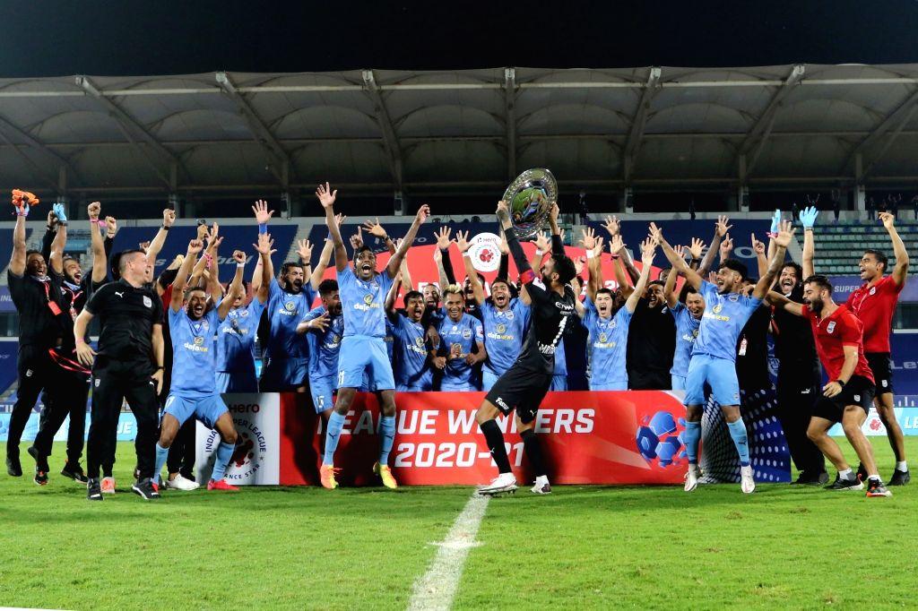 Mumbai beat Bagan 2-0, win League Winners' Shield. *(Courtesy ISL)*