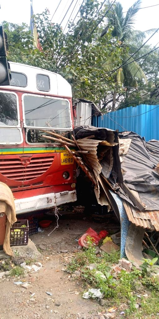 Mumbai BEST driver suffers heart attack in bus, no casualties