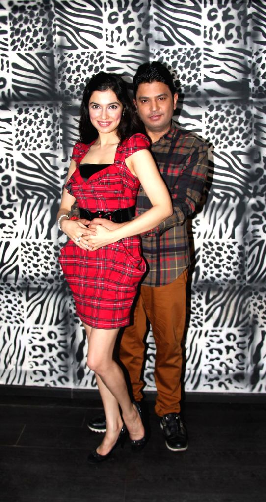 Bhushan Kumar and Divya Khosla Kumar at Divya Khosla Kumar`s birthday bash in Mumbai, on November 20, 2014. - Bhushan Kumar