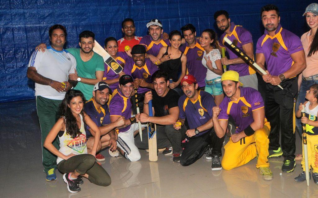 Box Cricket League's Team Rowdy Bangalore duing the practice session Box Cricket League team Rowdy Bangalore in Mumbai on 10 Nov. 2014.