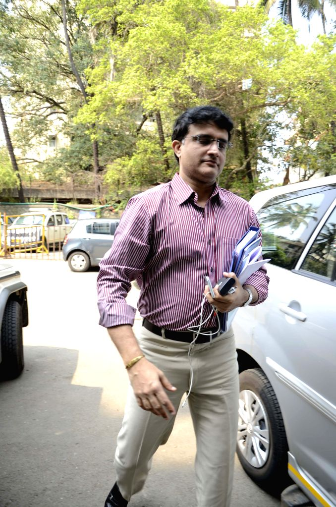 : Mumbai: CAB president Sourav Ganguly arrives to attend BCCI Working Committee meeting  in Mumbai, on Oct 18, 2015. (Photo: IANS). - Sourav Ganguly