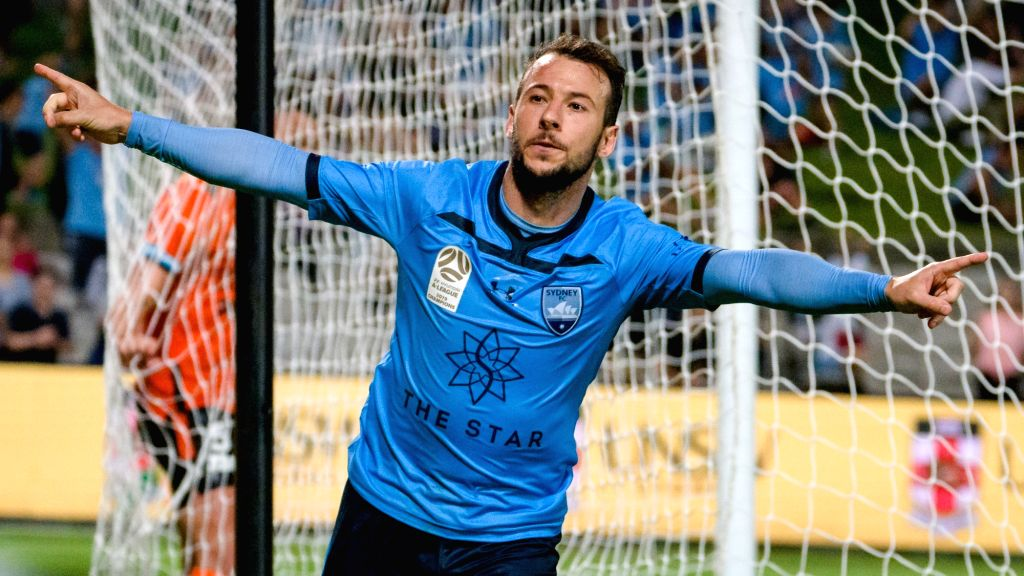 Mumbai City FC sign striker Adam le Fondre from Sydney FC