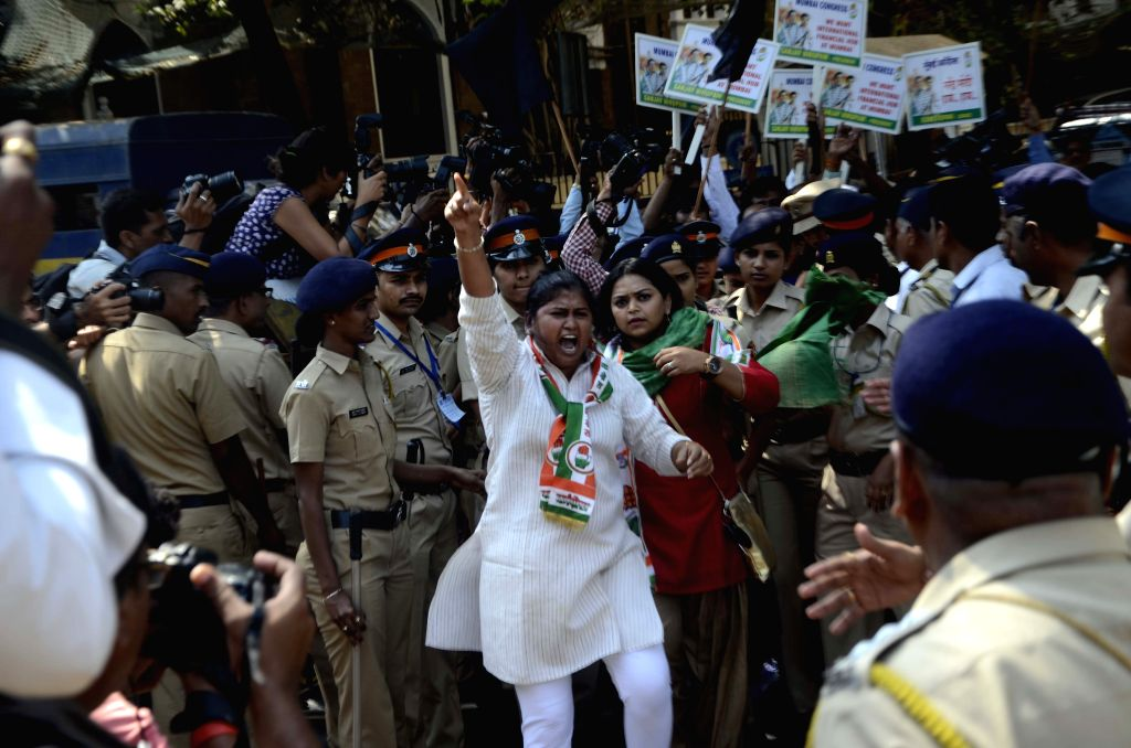 Congress workers led by Mumbai Congress chief Sanjay Nirupam stage a demonstration in in Mumbai, on April 2, 2015.