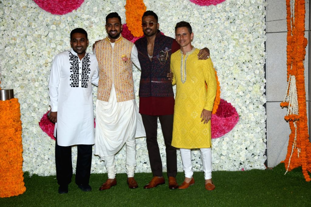 Mumbai: Cricketers Mahela Jayavardene, Krunal Pandya, Hardik Pandya and Siddhesh Lad at a Diwali party hosted by Reliance Industries Chairman Mukesh Ambani and his wife Nita Ambani in Mumbai on Oct 24, 2019. (Photo: IANS) - Mukesh Ambani and Nita Ambani