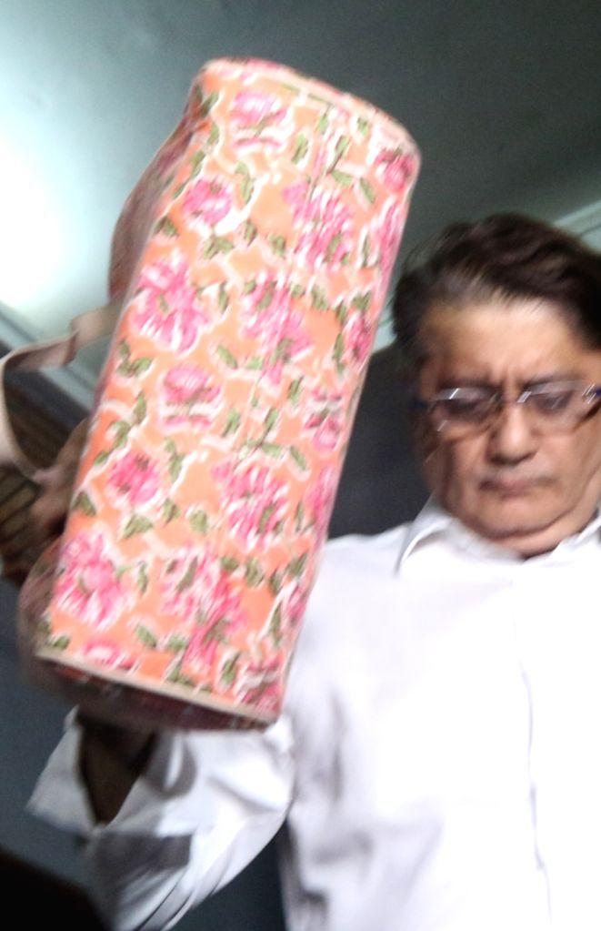 Mumbai: Deepak Kochhar, husband of Former ICICI Bank CEO Chanda Kochhar at Enforcement Directorate (ED) head office in Mumbai, on March 3, 2019. The Enforcement Directorate (ED) on Saturday questioned former ICICI Bank CEO Chanda Kochhar, her husband