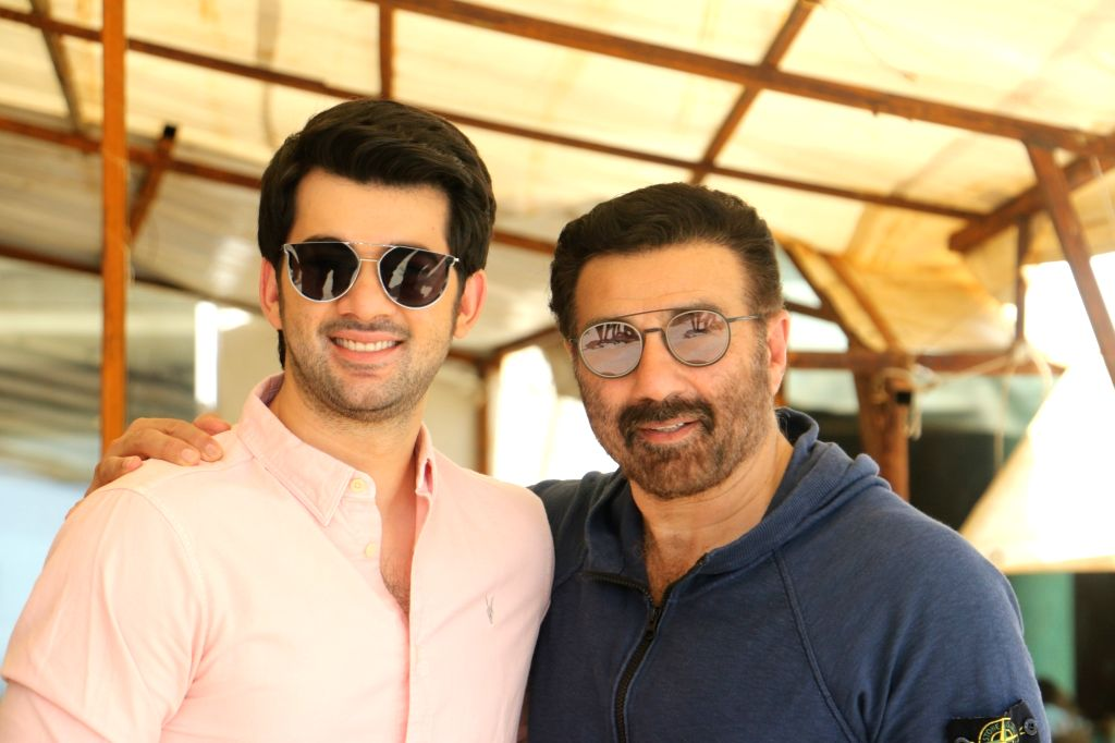 """Mumbai: Director Sunny Deol with his son Karan Deol during the promotions of their upcoming film """"Pal Pal Dil Ke Paas"""" in Mumbai on Aug 23, 2019. (Photo: IANS)"""