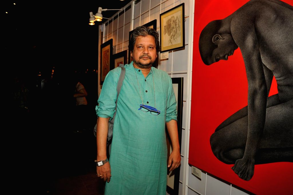 Filmaker cum actor Amole Gupte during the Cuddles Foundation 3rd Annual Charity Fund raiser event in Mumbai on 7th February 2015 - Amole Gupte